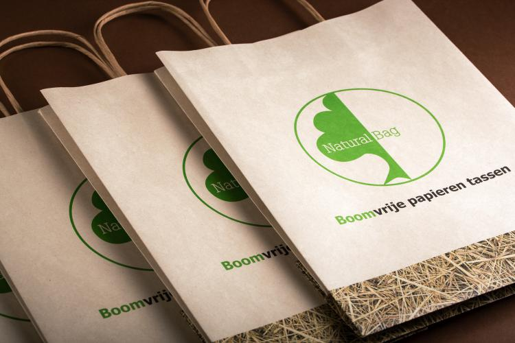 Natural bag makes 100% sustainable plastic/paper bags from agri-waste and corn starch